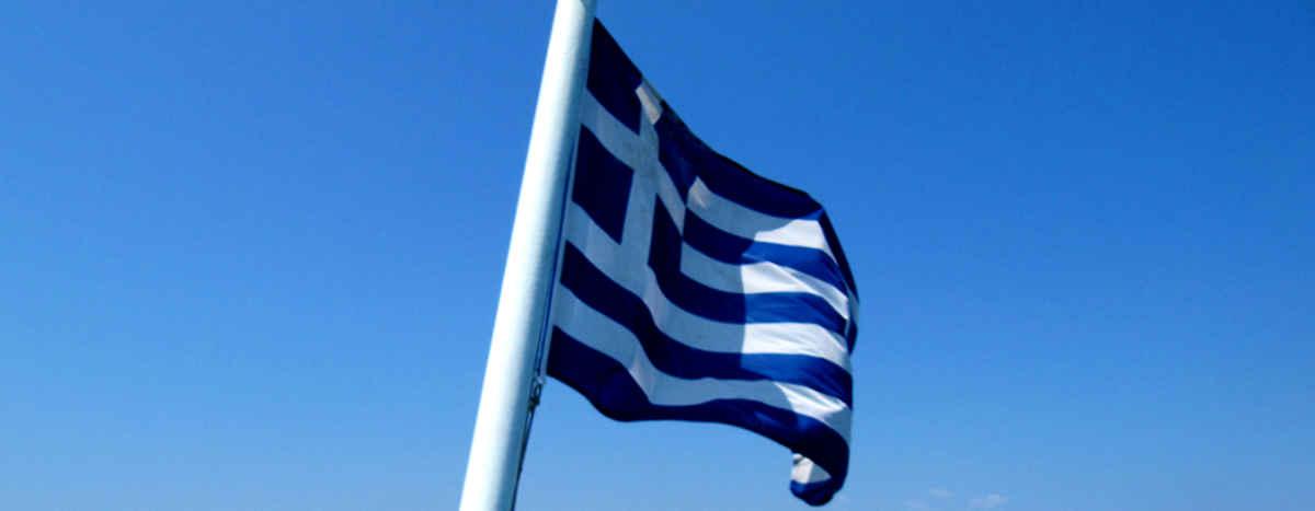bandiera-greca-sui-traghetti