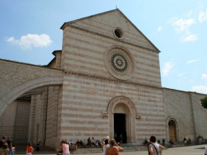 basilica-di-santa-chiara-1