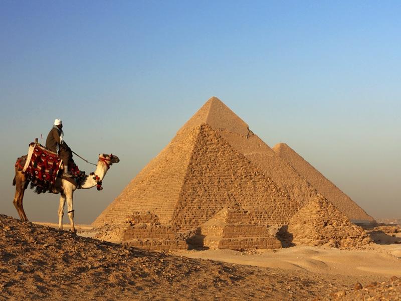 La-Necropoli-di-Giza-Antiche-Piramidi-2