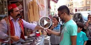 Dondurma – Come Si Mangia il Gelato in Turchia!