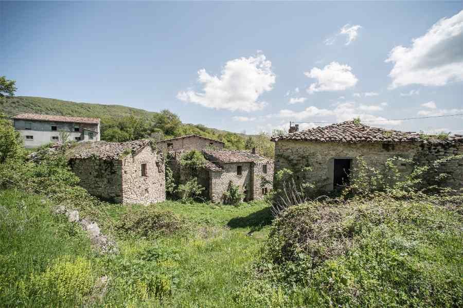 le-citta-fantasma-in-italia-da-visitare-valle-piola