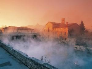 Ponte Primo Novembre alle Terme nell'Italia Centrale