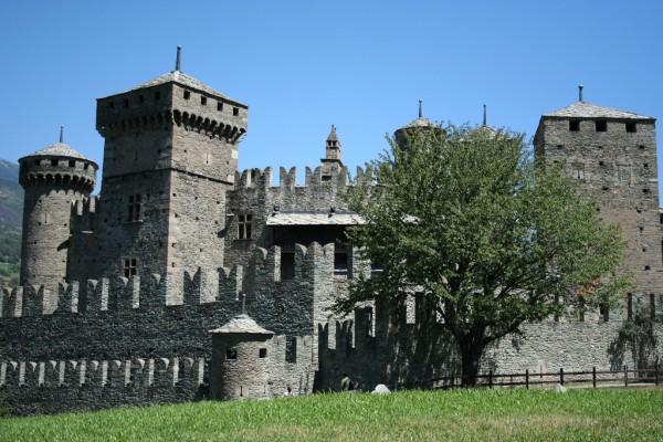 castello-fenis-0
