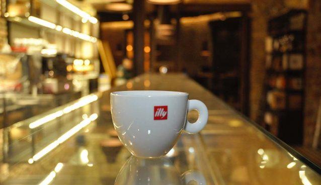 bar illy caffe ostiense roma