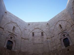 Castel-del-Monte-2